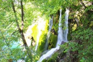 Essa cachoeira fica na parte alta dos lagos, e fica bem escondida.