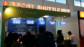 Guichê onde compramos as passagens de ônibus + ferry